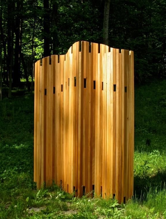 "Articulated screen 66"" x 70"" in pine"
